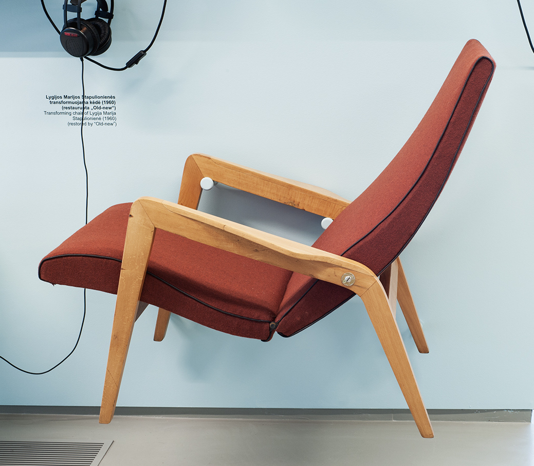 Stapulionienė transforming chair